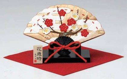 Окимоно в виде веера рисунок: цветущая слива